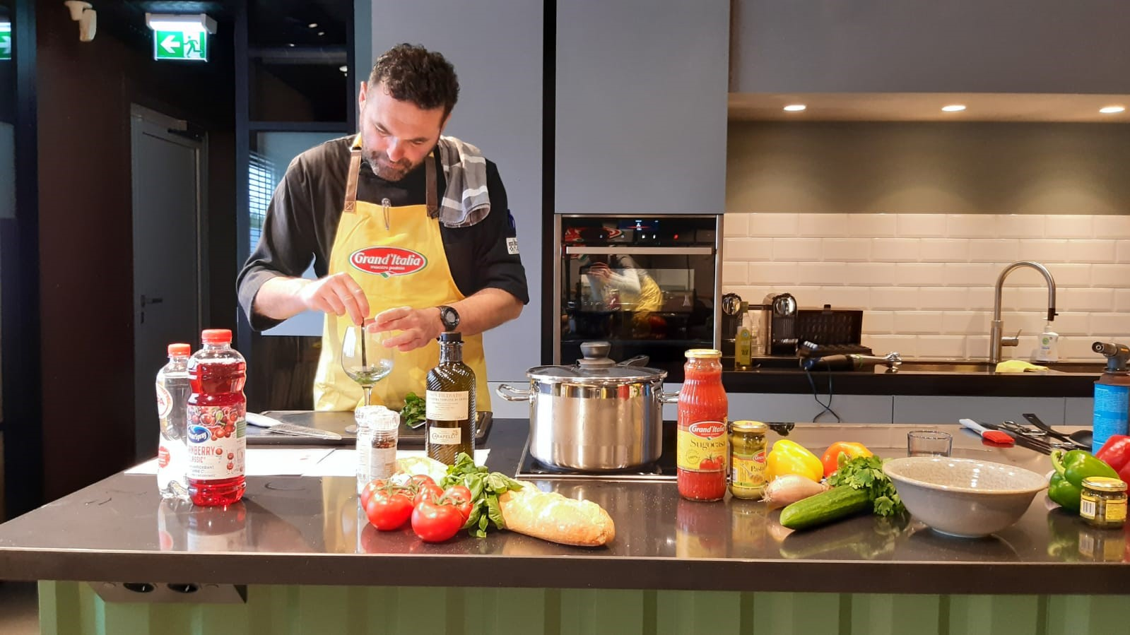 Online kookworkshop met vleugels bij Grand'Italia in Rijswijk!